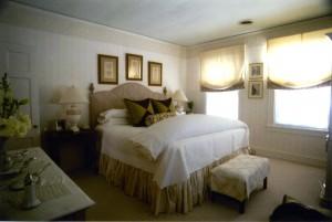 bedroom by interior designer Susan Jamieson of Bridget Beari Designs